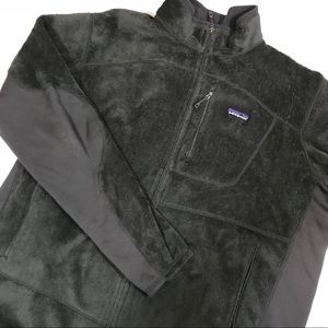 Patagonia R2 fleece jacket in charcoal gray
